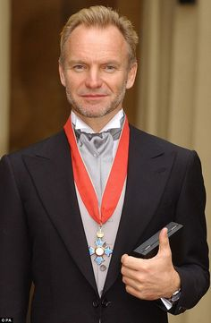 Sting holding his CBE at Buckingham Palace, which he received for services to the music in. Sting Musician, Beautiful Men, Beautiful People, Joan Baez, Toni Braxton, The New Wave, Hot Hunks, Rock Legends, Portraits