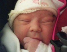 Policías ayudaron en el nacimiento de una #bebé - Contenido seleccionado con la ayuda de http://r4s.to/r4s