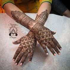 The best way to find yourself is to lose yourself in the service of others. Wedding Henna Designs, Indian Henna Designs, Stylish Mehndi Designs, Mehndi Design Photos, Henna Designs Easy, Dulhan Mehndi Designs, Arabic Mehndi Designs, Latest Mehndi Designs, Mehndi Designs For Hands