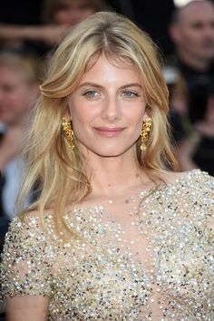 Cannes 2015: Les boucles d'oreilles Lumières d'Eau Chaumet en saphirs jaunes de Mélanie Laurent