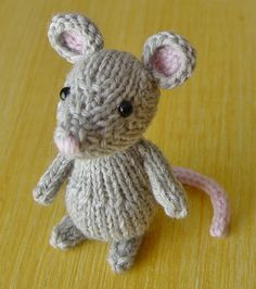 this is marisol mouse - i like mice. and i like knitting. i like these ears.