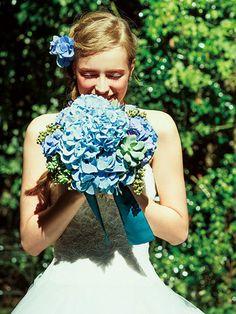6月の花嫁に贈る、ロマンティックなアジサイブーケ | ウエディング | 25ans(ヴァンサンカン)オンライン