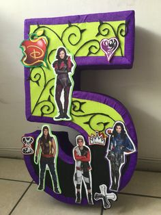 Descendants Pinata. Descendants birthday pary. descendants birthday decoration. Descendants party supplies.