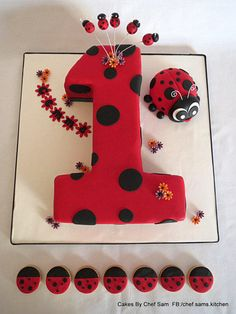 Lady bug number 1 with biscuits - Cake by chefsam