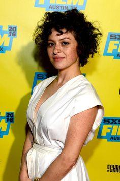 Alia Shawkat's freckles! Argh!!!
