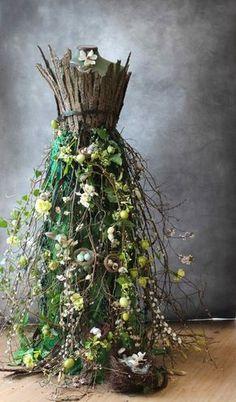 A living Spring dress! incredible spring dress for a mann.- A living Spring dress!… incredible spring dress for a mannequin – Hibunia Hi -… A living Spring dress!… incredible spring dress for a mannequin – Hibunia Hi – - Deco Floral, Floral Design, Floral Prints, Mannequin Art, Mannequin Display, Fairy Dress, Angel Dress, Floral Fashion, Trendy Fashion