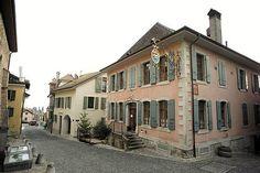 Auberge de l'Onde: Accueil Austria, Switzerland, Places To Go, Germany, Mansions, House Styles, Home Decor, Decoration Home, Room Decor