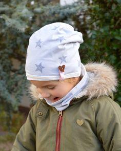 Wunderschöne Beanie Mütze aus grauem Baumwolljersey mit Sternen Grau auf Grau. Im gleichen Design ist auch erhältlich: - ein einfacher Loop bzw. Schlupfschal für 13,90€ oder - ein Wende...