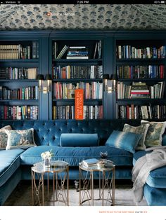 20 Gorgeous Home Libraries - Katie Considers - When I envision my dream house it always has a cozy home library with built-in bookshelves from flo - Cozy Home Library, Home Library Design, House Design, Library Room, U Couch, Chaise Couch, Teal Couch, Decoracion Vintage Chic, Blue Velvet Sofa