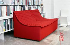 """Design bank, sofa  Liegen, nicht sitzen - """"Pasha"""" von Konstantin Grcic für SCP. Die Idee hatte er schon Anfang der Neunziger, nun ist sie Sofa geworden."""