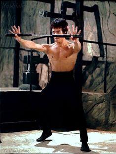 Bruce Lee. N