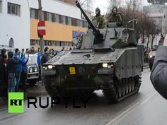 Tropas De La OTAN Desfilan A 300 Metros De La Frontera Rusa #Video
