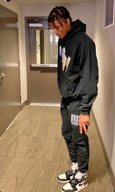 Dope Outfits For Guys, Stylish Mens Outfits, Black Men Street Fashion, Mode Outfits, Mens Clothing Styles, Street Wear, Clothes, Type, Boys