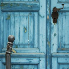 Blue door.  That's nice.
