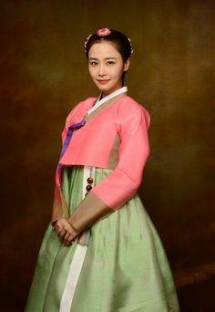 Hong Soo hyun in hanbok