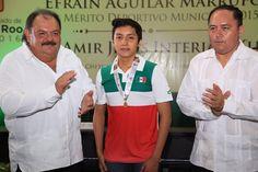 Periodismo sin Censura: Abuxapqui entrego medalla al Mérito Deportivo a Am...
