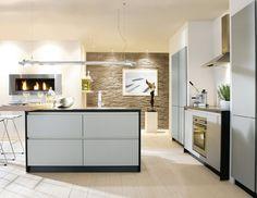 Design Küche Mit Grifflosen Fronten In Steingrau Und Lavaschwarz.  #designküche #küche #