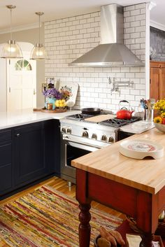 Cottage/Country Kitchen from Wayfair Canada