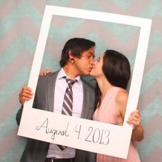 Make a giant polaroid photo frame - perfect for weddings or photo booths! Too cute!