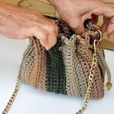 Easy Crochet Stitches, Crochet Purse Patterns, Crochet Cardigan Pattern, Macrame Patterns, Diy Crochet, Crochet Top, Crochet Handbags, Crochet Purses, Crochet Clutch Bags