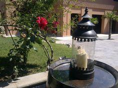 Detalle entrada del hotel Señorío de Nevada, el hotel está lleno de detalles así cuidados y con encanto.