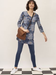 Tune into the tunic this season. A flattering and easy-to-wear shape that'll work for day-to-night, our Stitchy Stitch Jersey Tunic is one to watch. Made from cotton, this tunic features length sleeves and has an indigo dyed fabric. Indigo Prints, Kaftan, How To Make, How To Wear, Normcore, Tunic, White Stuff, Stitch, Fabric