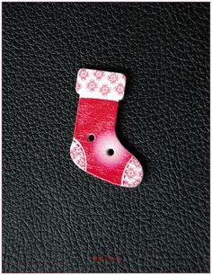 Boutons en bois chaussettes de noël modèle 12 x1 : Boutons par lilycherry