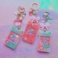 Diy Kawaii Jewelry, Cute Jewelry, Diy Resin Crafts, Diy Clay, Tape Crafts, Uv Resin, Resin Art, Sparkly Phone Cases, Cute Keychain