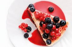Poctivý tvarožník pre každého: Cheesecake s ovocím - Žena SME Clean Recipes, Sweet Recipes, Cake Recipes, Crazy Cakes, Romanian Desserts, Healthy Cheesecake, Raspberry Smoothie, Food Trends, Low Carb Desserts