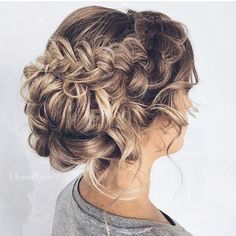 Gorgeous bridal #braid by @ulyana.aster