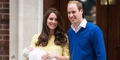[FOTO] Gaun bersejarah ini bikin bayi Kate Middleton makin cantik
