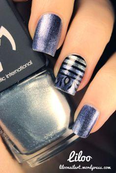 Gradient Striped manicure