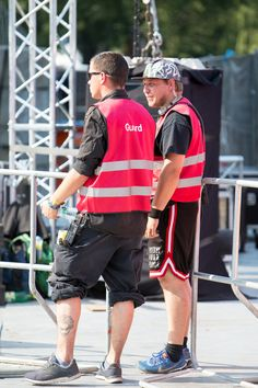 With more than 140.000 tickets sold, two days of live performances, street food, and art, the #Lollapalooza #Berlin is Germanys biggest Festival in a major city. To ensure security and safety on location, 600 mobile radios and headsets are in use. #RIEDEL #lollaberlin