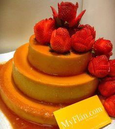 Flan de Wedding:) #pudim #flan #dessert #foodnetwork #myflan #flanart #flandelugo #tryit #bake #thechew #strawberry #rose #weddingcake #3tierweddingcake #wedding #awesome #nytfood #cali #nyc #foodie #foodporn #foodblogger #love Flan Dessert, 3 Tier Wedding Cakes, The Chew, Sweet Ideas, Food Network Recipes, Cali, Food Porn, Strawberry, Nyc