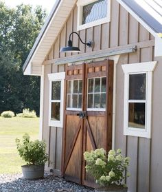 """270 Likes, 19 Comments - Heidi Ferguson (@honeybearlane) on Instagram: """"Dying over everything about this little shed by @findinghomefarms! I really want to build a cute…"""""""