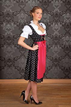 midi_dirndl_made_in_germany_schwarz_blumen_pink_5.jpg 1,000×1,500 pixels