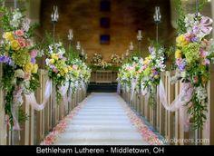 Dayton/Cincinnati/Columbus/Indianapolis/Louisville, Ohio (OH) Wedding Bouquets - Oberer's Flowers