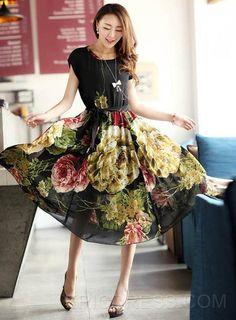 Short Sleeves Elegant Soft Slim Flower Decorated  Dress Casual Dresses