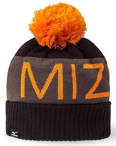 372a038b5d8 Designed to keep the warmth in and the cold out these mens branded bobble  golf toboggan beanie hats by Mizuno come in a variety of colours!