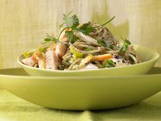 Spaghetti mit Lachs - Kalorien: 599 Kcal - Zeit: 25 Min. | eatsmarter.de