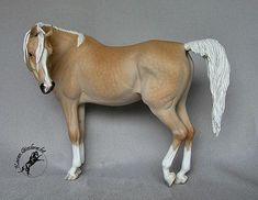 Mahiba resin sculpted by Brigitte Eberl & painted by Karen Giesbrecht. Rabbit Playground, Star Stable Horses, Oil Pastel Colours, Bryer Horses, Indian Horses, Painted Pony, Horse Crafts, Horse Sculpture, Pretty Horses