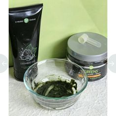 It Works!  Greens & Defining Gel Mask  RECIPE: 1 squirt Defining Gel 1 scoop Greens ------------------------------ -Mix the Defining Gel & Greens until a paste is formed.  -Rub onto skin in an upwards circular motion. The gritty texture of the Greens helps exfoliate the skin -Recommended to leave on for 45 minutes