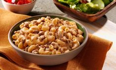 Beef Alfredo Chili Mac Recipe--I made this with ground chicken and added minced garlic and black pepper. I also used veggie rotini in place of the elbow mac.not bad on a budget! Pasta Recipes For Two, Chicken Pasta Recipes, Healthy Pasta Recipes, Beef Recipes, Cooking Recipes, Beef Meals, Hamburger Recipes, Sauce Recipes, Party