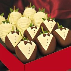 Wedding Themed Chocolate Covered Strawberries