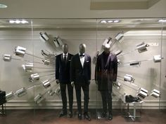 Hugo Boss | Xmas stolen ideas visual merchandising for front of store masculine