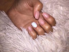 Nails nude design