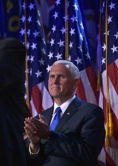 """Auch in der Wahlnacht bewies er seine bedingungslose Loyalität: """"Es sei schwer für ihn auszudrücken, was es für eine Ehre sei, unter Donald Trump als Vizepräsident dienen zu dürfen"""", sagte Mike Pence stolz. Mehr zur Person: http://www.nachrichten.at/nachrichten/meinung/menschen/Mike-Pence-Der-Mann-an-Trumps-Seite;art111731,2398167 (Bild: APA/AFP/MANDEL NGAN)"""