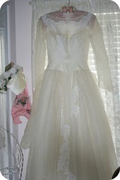 how to clean a wedding dress - still haven't had mine cleaned, thinking of doing this