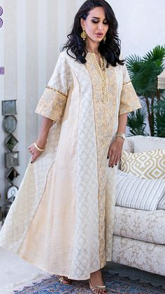 African Attire, African Fashion Dresses, African Dress, Stylish Dresses For Girls, Stylish Outfits, Caftan Dress, Kaftan Abaya, Kaftan Designs, Modest Fashion