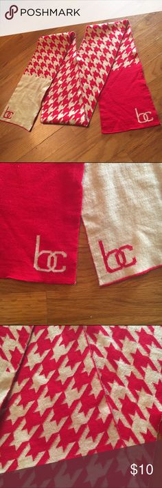 Hounds tooth BC scarf Red and tan hounds tooth BC scarf Accessories Scarves & Wraps